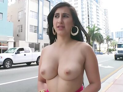 BANGBROS - Young PAWG Valerie Kay In the first place The Streets Of Miami Lido Giving The Globe A Show