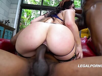 Chubby black cocks deep bonking Mandy Muse with her obese loot until she screams